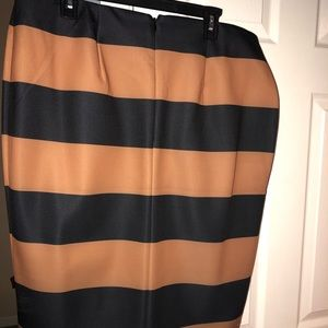 Black and Gold skirt. Great for Work.
